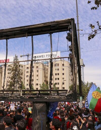 Gösteriler ülke çapında sürüyor! Binlerce kişi meydanda toplandı