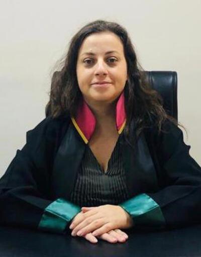 Avukatı falçata ile rehin aldı