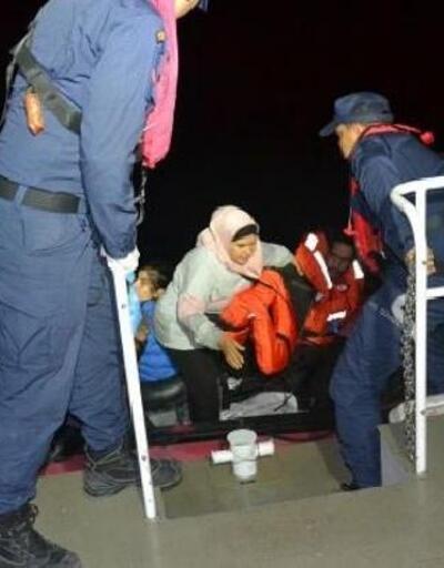 Dikili'de 12 kaçak göçmen yakalandı