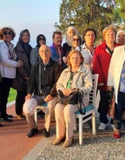 45 yıl önceki öğretmenlerini İznik'te buldular