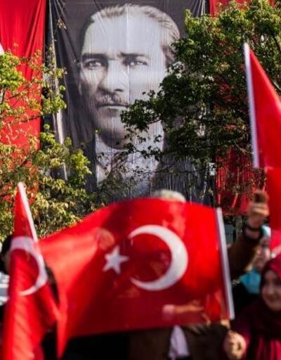 Vatan Caddesi'nde 29 Ekim Cumhuriyet Bayramı töreni