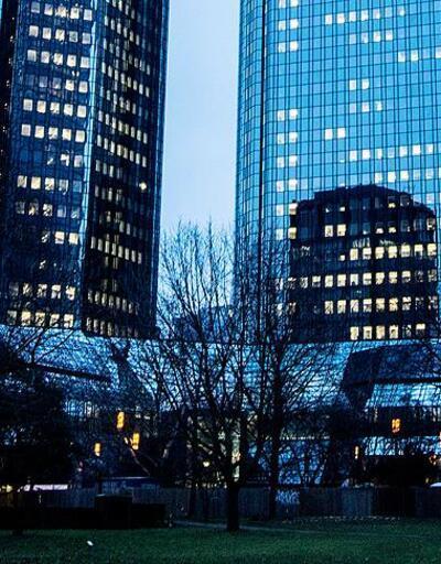 DeutscheBank'tan üçüncü çeyrekte 832 milyon avro zarar