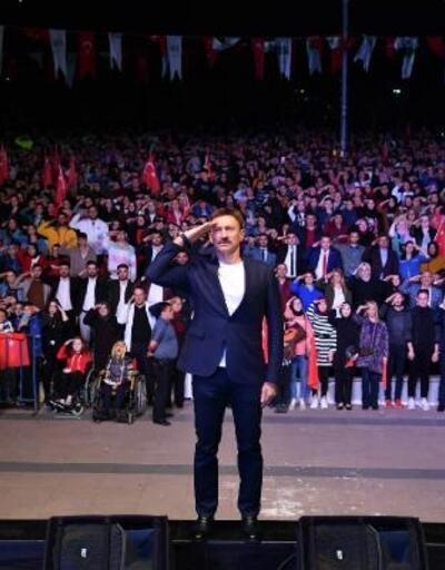 Belediye Başkanı 'Barış Pınarı Harekatı'na canlı yayınla asker selamı yolladı