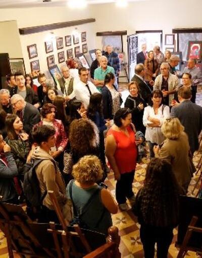 Edremit'te 'Cumhuriyet' konulu resim sergisi açıldı