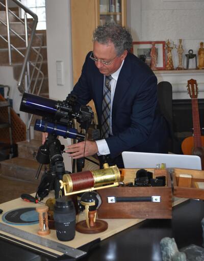 NASA'da çalışan bilim adamı İzmir'e yerleşti