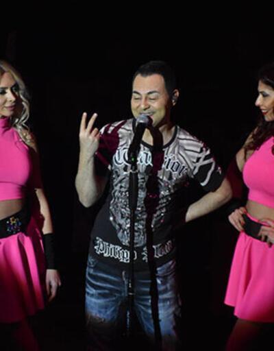 Ünlü şarkıcı Serdar Ortaç, evlilik iddialarını yalandı