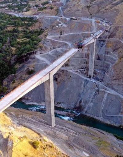 Türkiye'nin en yüksek köprüsünde sona gelindi
