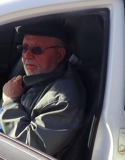 Eşi için 74 yaşında ehliyet aldı