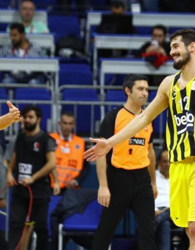 Fenerbahçe derbiyi 4 sayı farkla kazandı