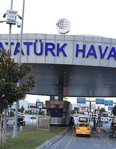 Atatürk Havalimanı'nda kaza; uçağın iniş takımları arasına bacağı sıkıştı