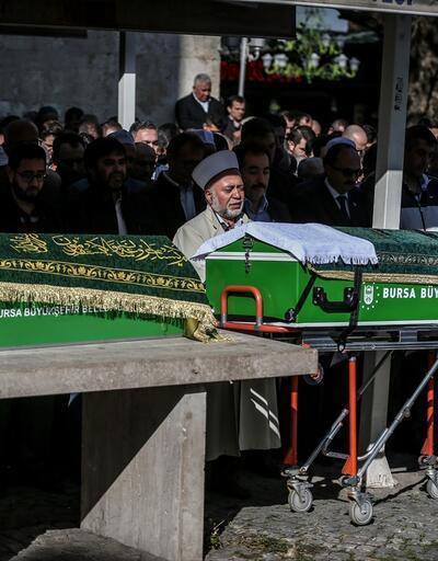 Oğlunun ve torunun cenaze namazını kıldırdı