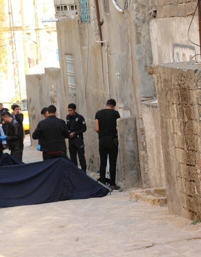 Boğazı kesilen Suriyeli, ölü bulundu