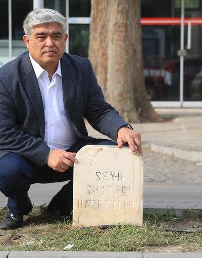 """Muğla'da """"refüjdeki mezar taşı"""" tepkisi"""