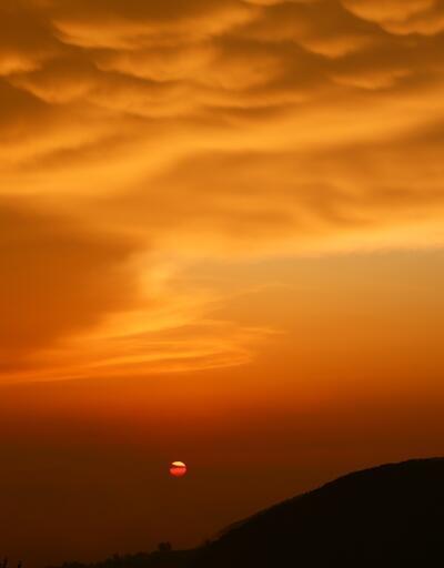 Ender görülen memeli bulutlar görüntülendi