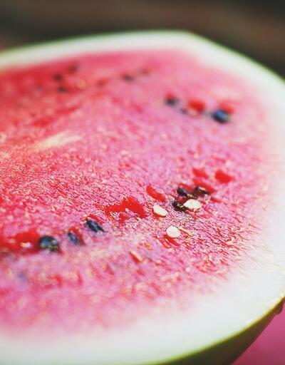 Bu besinleri gece yerseniz vücudu baştan sona temizliyor