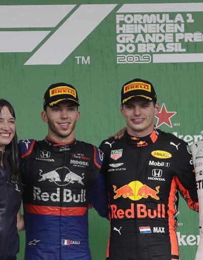 Brezilya'da yarışı kazanan Max Verstappen
