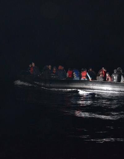 Çanakkale'de lastik bot içinde51 kaçak göçmen yakalandı