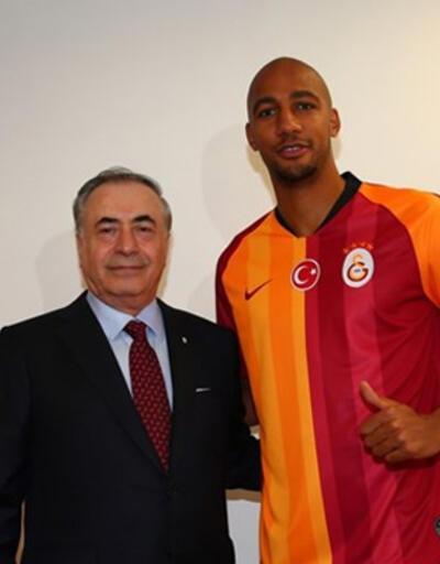 Nzonzi 1 yıl daha Galatasaray'da