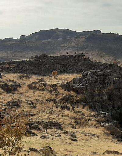 Eruh'ta PKK'lı teröristlerin 4 mağarası, kullanılamaz hale getirildi