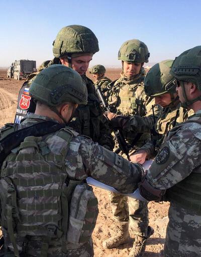 Son dakika...  Bakan Akar'dan Türk-Rus ortak kara devriyeleriyle ilgili açıklama