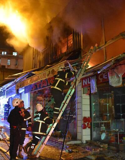 Adana'da iş yerlerinde yangın