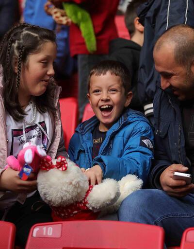 Samsunspor'dan çocukları sevindiren hareket