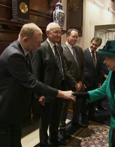 """""""İngiltere Kraliçesi 18 ay içinde emekli olacak"""""""