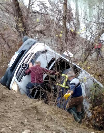 Kadın hentbol takımını taşıyan minibüs kaza yaptı: 2 ölü, 14 yaralı