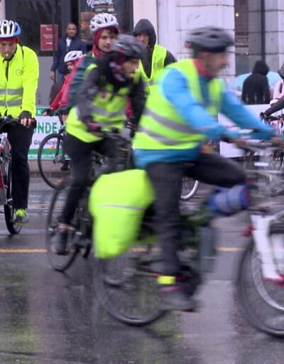 Yüzlerce kişi engelliler için pedal çevirdi
