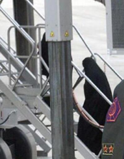 Türkiye sınır dışı etti, eski asker iner inmez Dublin'de gözaltına alındı
