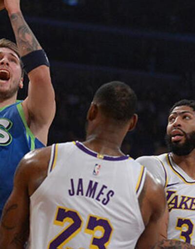 Lakers'ın 10 maçlık serisini Dallas bitirdi