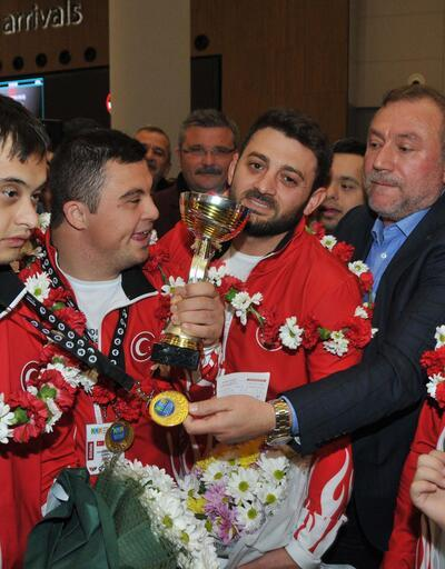 Özel sporcular Türkiye'ye madalya ile döndü