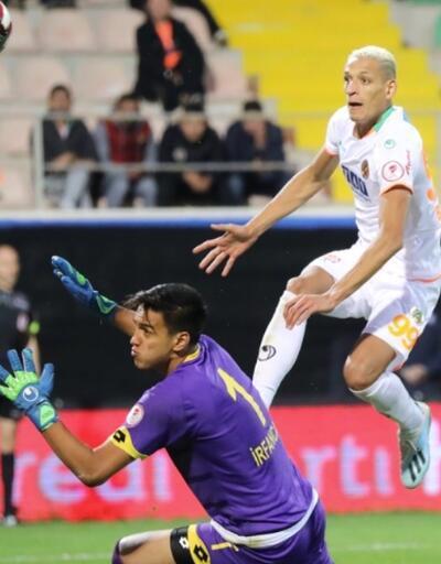 Alanyaspor 5 golle turladı