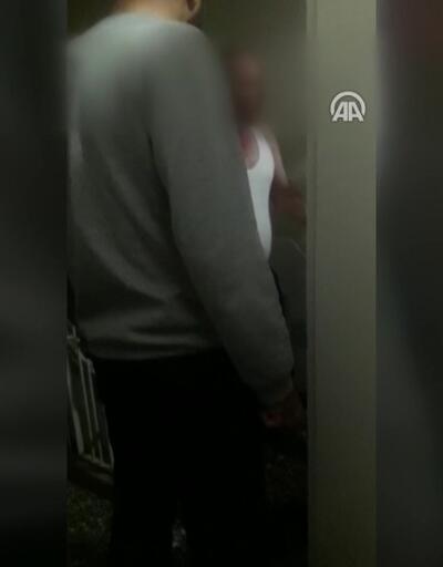 Otizmli çocuktan rahatsız olan komşu bıçakla kapıya dayandı