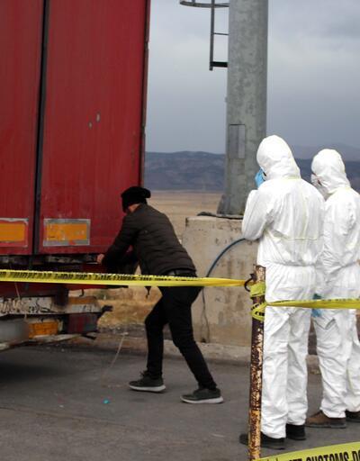 Sınır kapısında 18,4 ton siyanür ele geçirildi