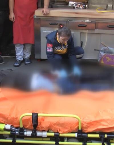Kağıthane'de dehşet; 3 kişiyi bıçakladı koşarak kaçtı