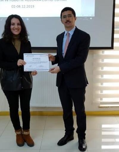 Çamardı'da robotik kodlama kursiyerlerine sertifika