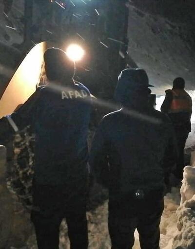 Kar ve tipi nedeniyle mahsur kalan 2 kişi kurtarıldı