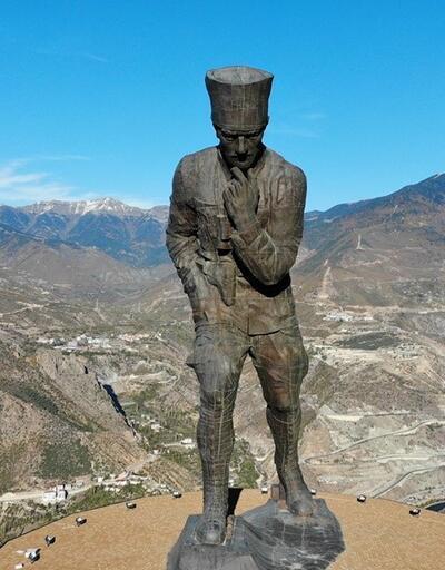 En büyük Atatürk heykeli müze oluyor