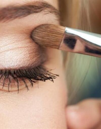 Göz makyajı yaparken dikkat