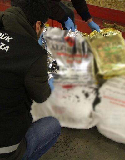 Kapıkule'de yaklaşık 20,9 ton kaçak çay yakalandı