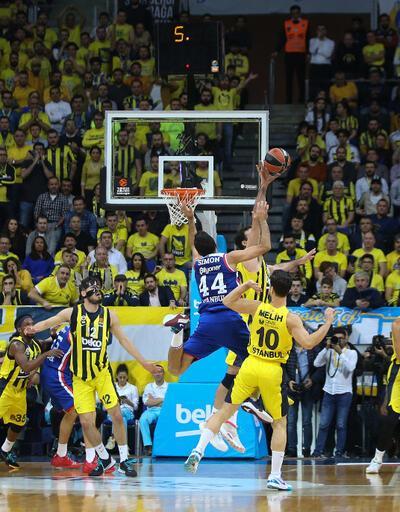 Anadolu Efes Fenerbahçe'yi deplasmanda yendi