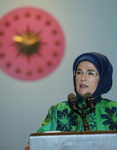 Emine Erdoğan, genç Müslüman kadın lider adaylarıyla buluştu