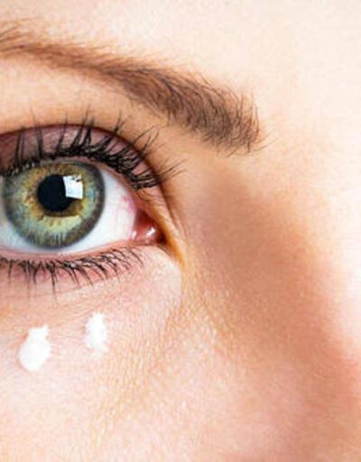 Göz kapağı düşüklüğü estetik problem oluşturuyor
