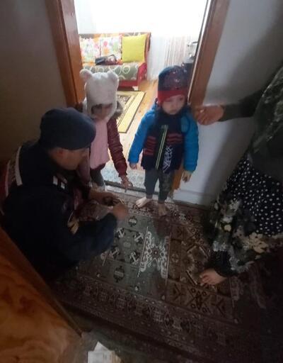 Çocukları annesinden kaçırdığı iddia edilen baba ile 2 Suriyeli serbest