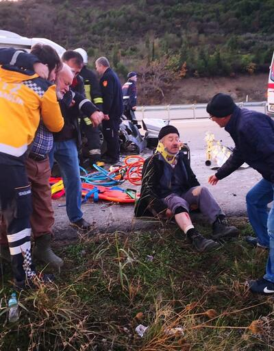 İşçileri taşıyan minibüs ile vinç çarpıştı: 12 yaralı