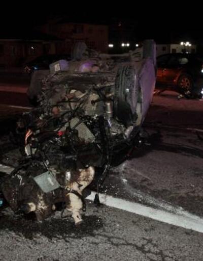 Ağaca çarpan otomobil takla attı: 2 yaralı
