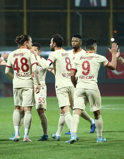 Galatasaray yıldızlarıyla turladı