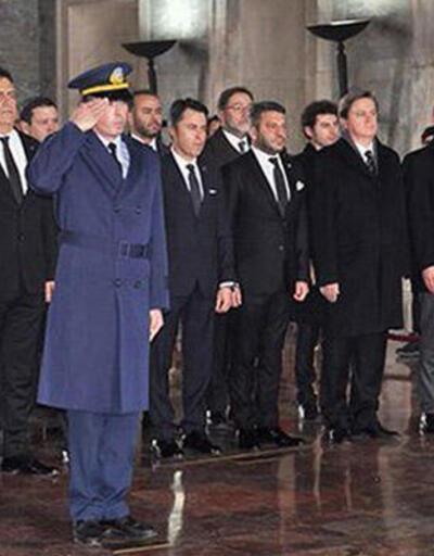 Ahmet Nur Çebi ve yöneticiler Anıtkabir'i ziyaret etti