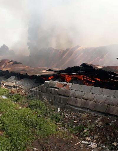 İzmir'de mobilya fabrikasında yangın
